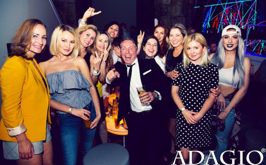 VIP Ladies Table oft belaechelt Komfort laechelnd geniessen ehemals Adagio